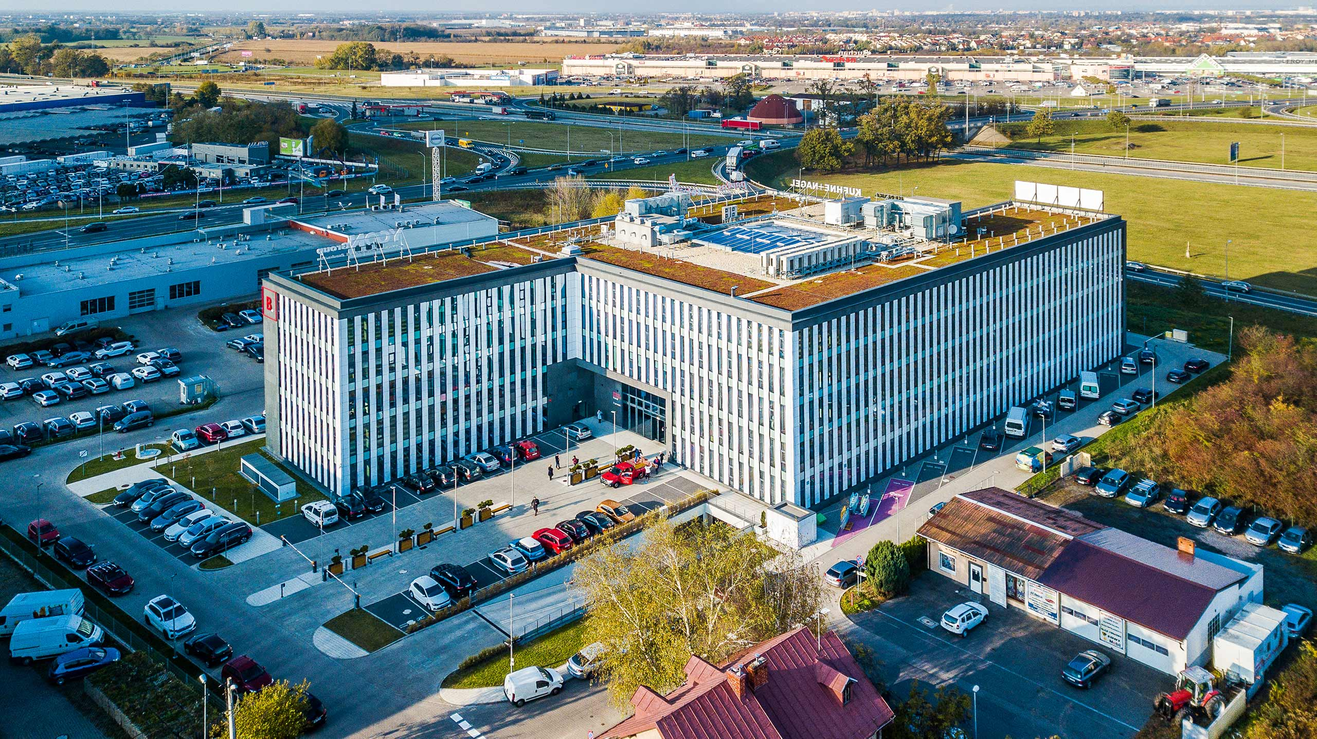 The office building is conveniently located on the outskirts of Wrocław
